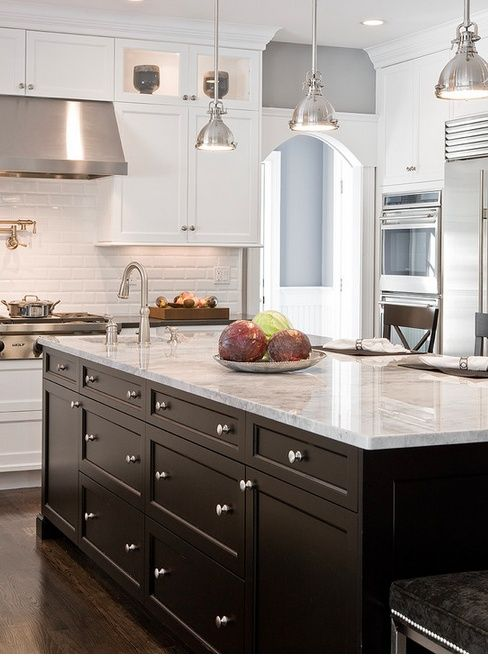 {Shades of Neutral} Gray & White Kitchens - Choosing Cabinet Colors #whiteshakercabinets