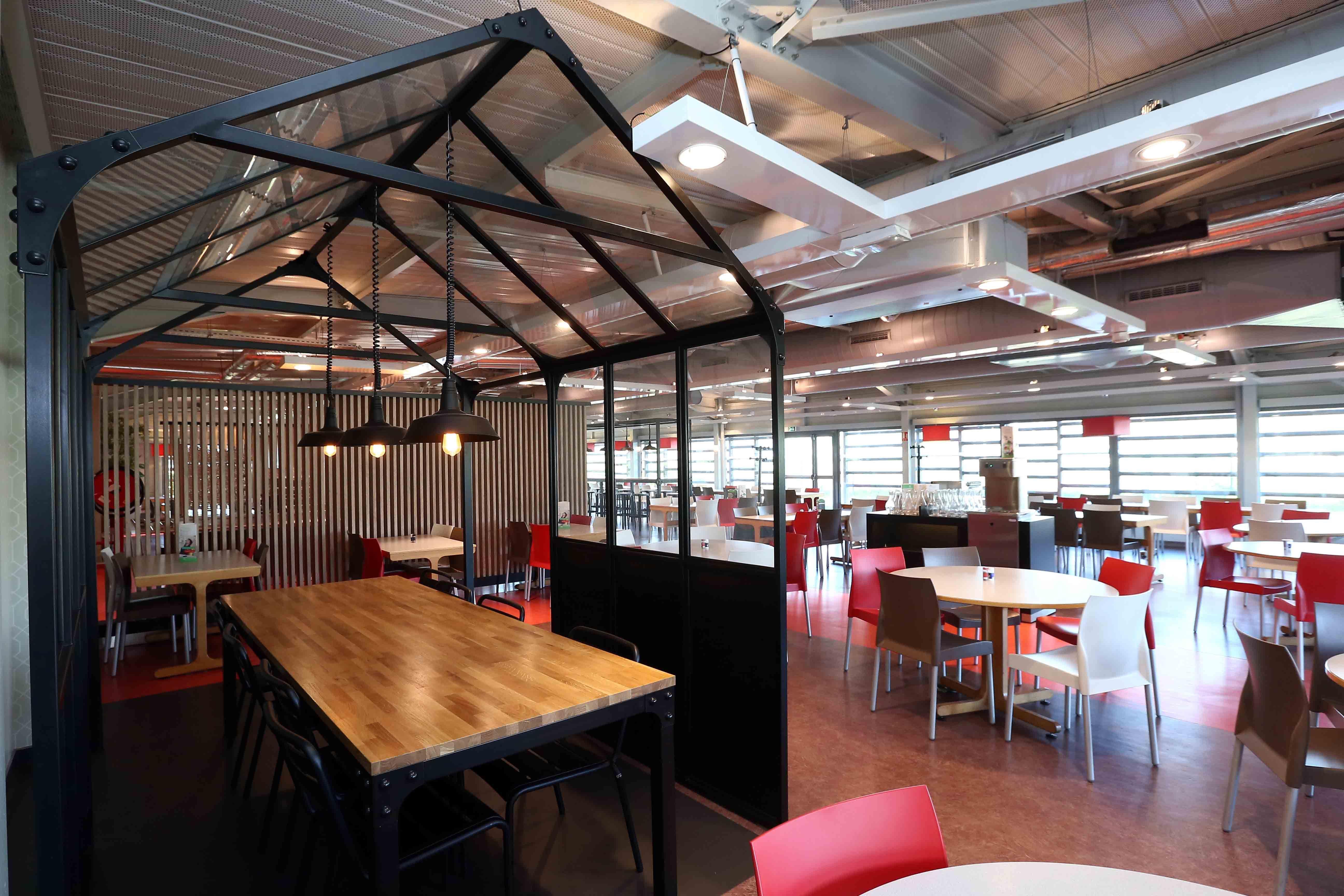 Structure vintage industriel mobilier restaurant d 39 entreprise mobilier restauration - Restauration meuble industriel ...
