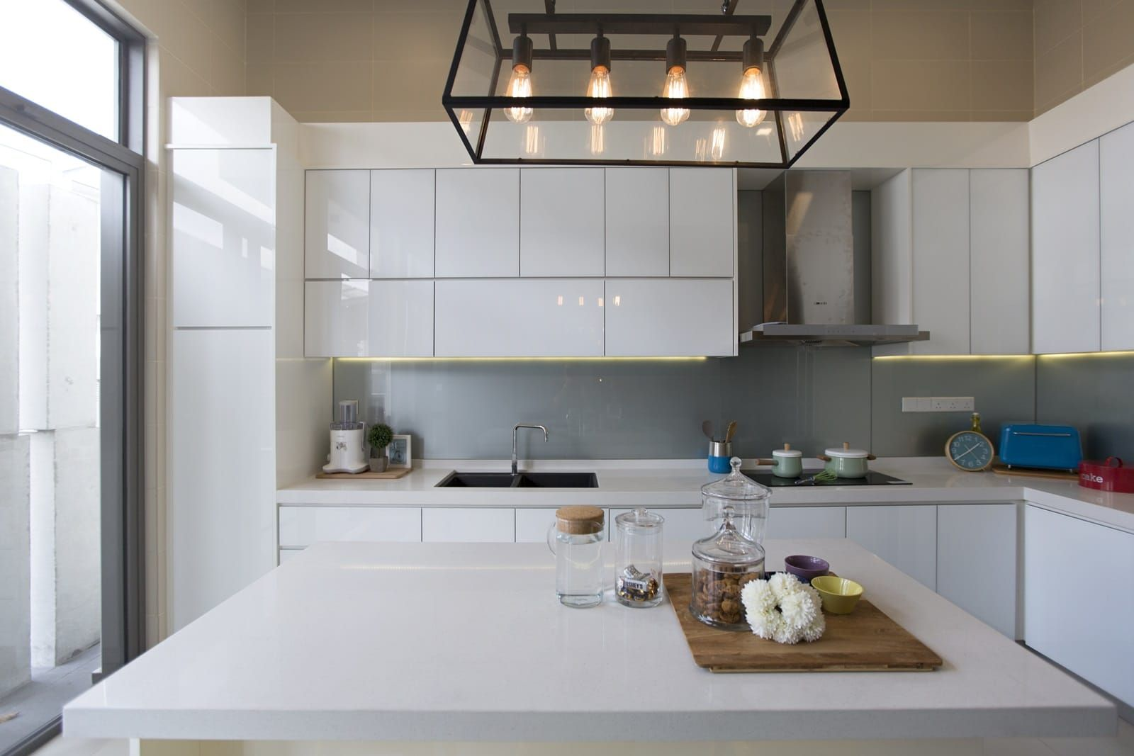 modern terrace house wet kitchen design by turn design interior (tdi