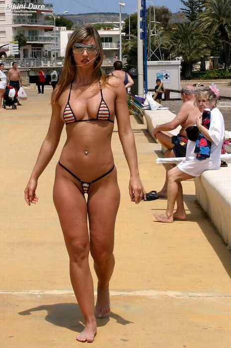 Angelina jolie fully nude taking lives