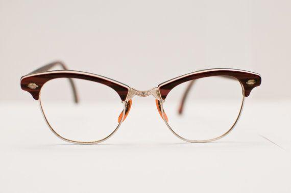 Contemplating a cute pair of vintage frames for my next prescription ...
