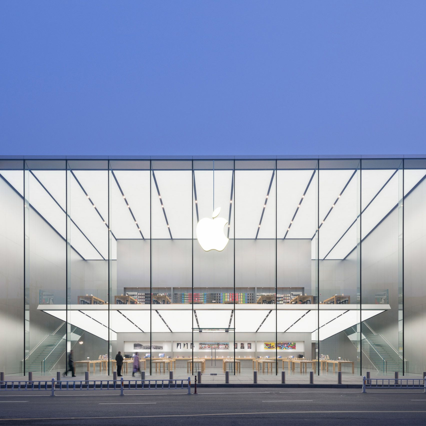 10 Striking Apple Stores By Foster Partners Store Architecture Apple Store Design Apple Store