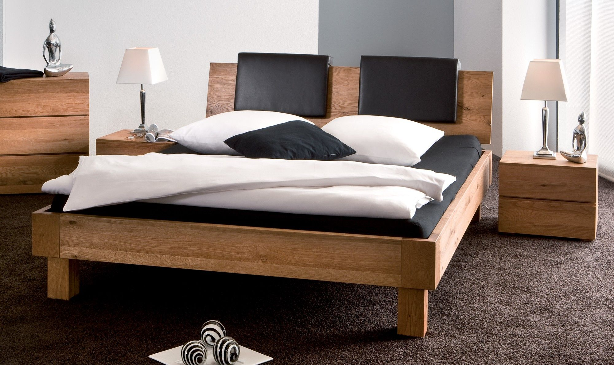 Natural Oak Oiled Real Leather Graphite Headrests Solid Wooden Bed