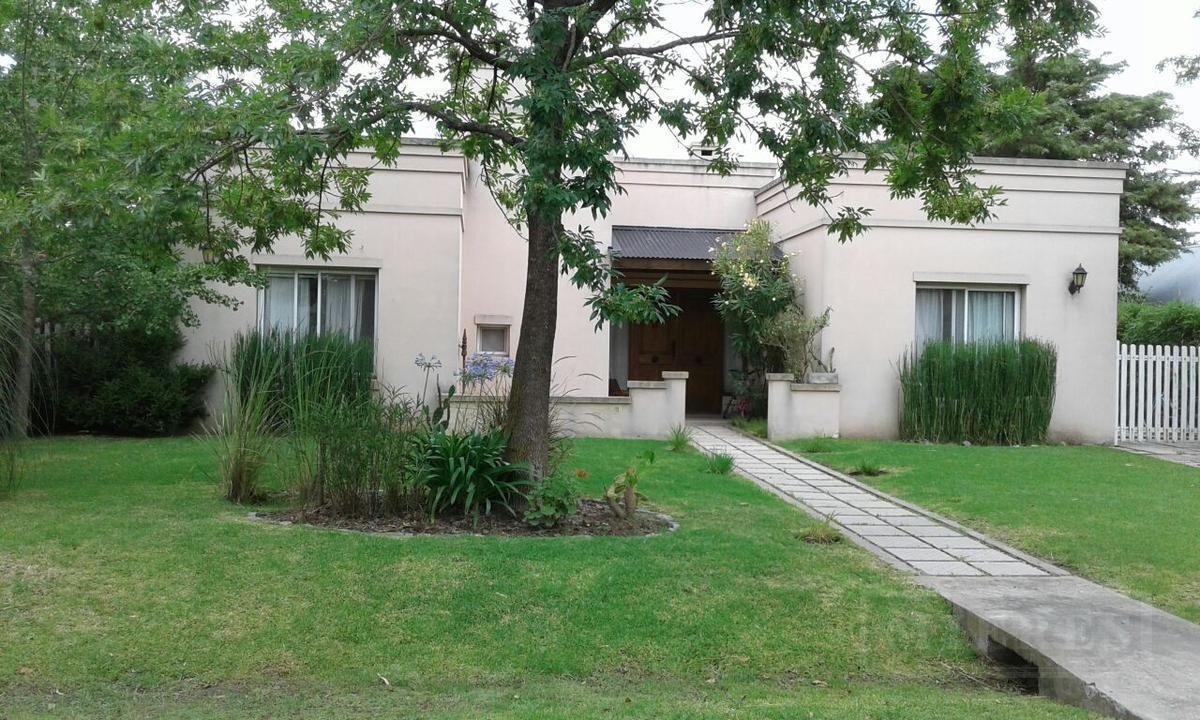 Casa En Venta En El Lucero Desarrollada En Una Planta De 125 M2