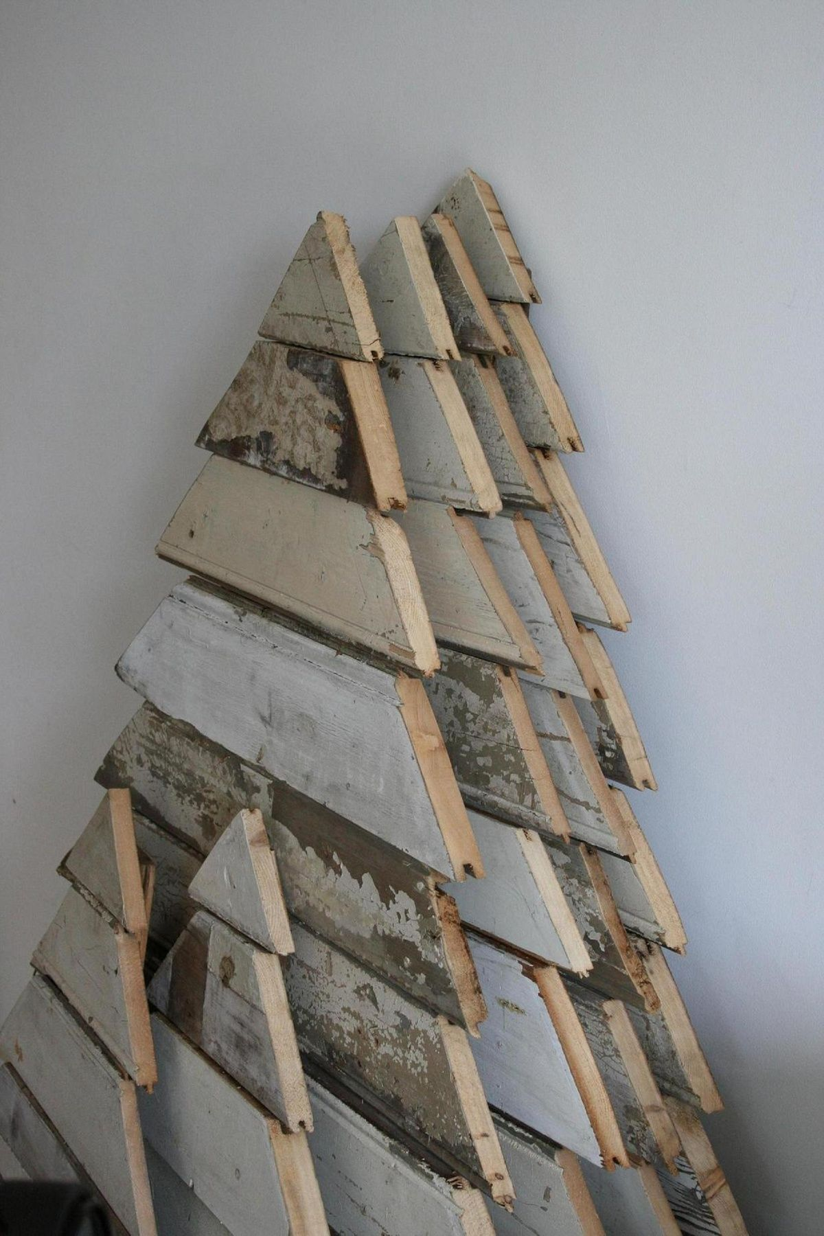 25 Ideas How To Make A Wood Pallet Christmas Tree