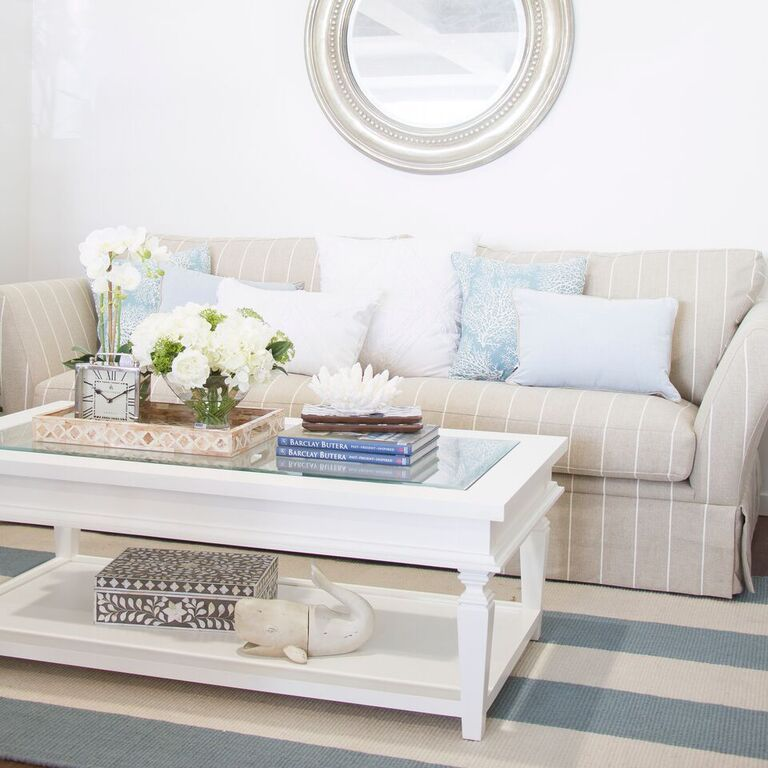 Hampton Home Design Ideas: Hamptons Style Living Room.