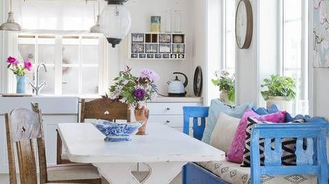 Photo of SOMMERHYTTE: Slagbenken på kjøkkenet er et vakkert blikkfang som oser av somme…