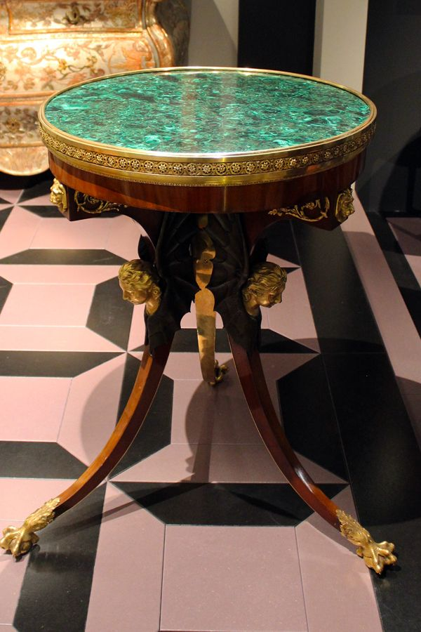 TEFAF 2017 - table at Galerie Neuse