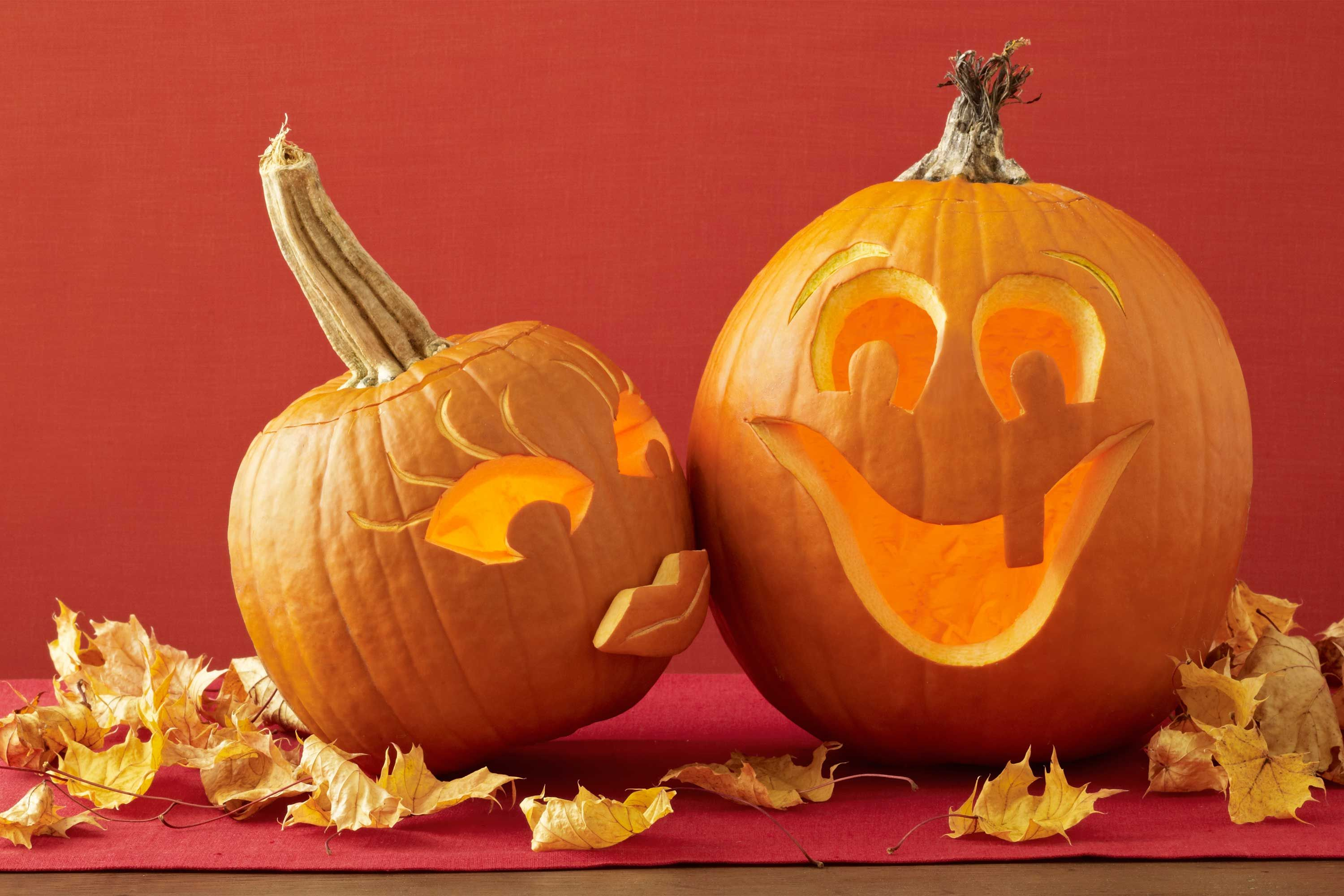 65+ of the Most Creative Pumpkin-Carving Ideas Pumpkin carvings - fall and halloween decorations