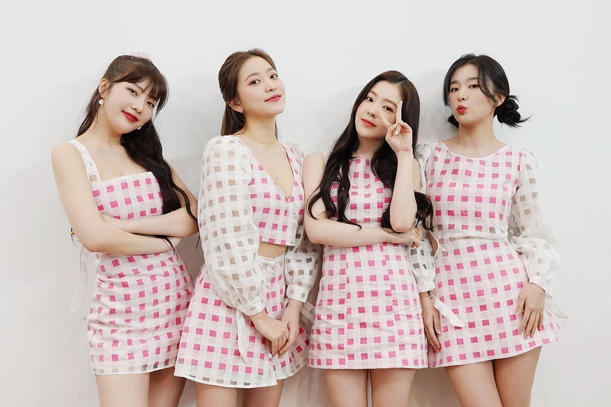 Red Velvet Reveals New Collaboration With Clothing Brand Paris99 That Accused Them Of Plagiarism Kpopthing Velvet Clothing Brand Red Velvet