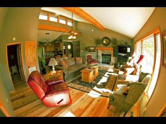 Gatlinburg Honeymoon Cabin Rentals At Http Www Encompassvacations Com Lister View Listing 236 For Rent By Owner Honeymoon Cabin Gatlinburg Vacation Rentals