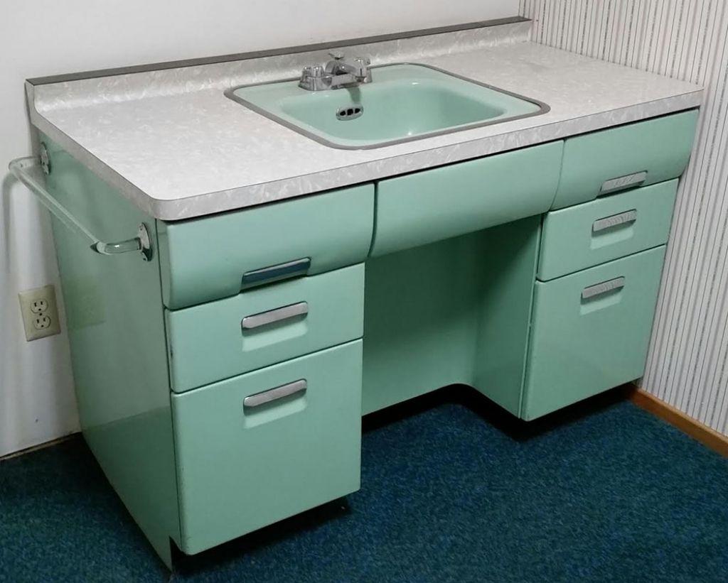 Beauty Queen Kitchen Sink Cabinet Gallery Inspire You Awesome Retro Cabinets Decor Remodel Ide Vintage Bathroom Vanities Retro Bathrooms Modern Bathroom Vanity