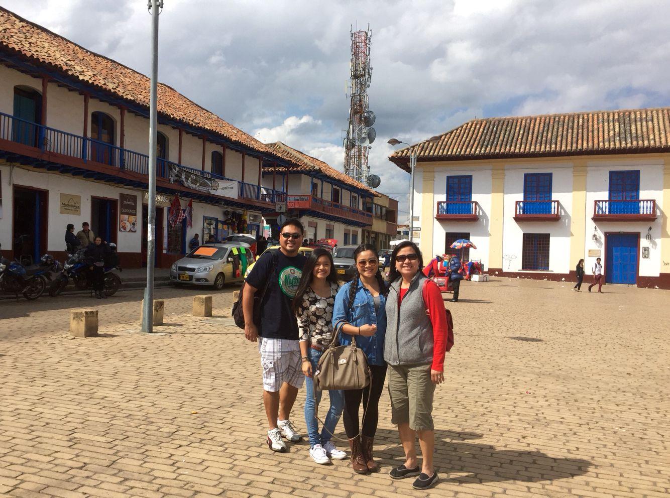 El fin de semana, me gusta viajar con mí familia. Nosotros queremos probar la comida de las culturas diferentes.