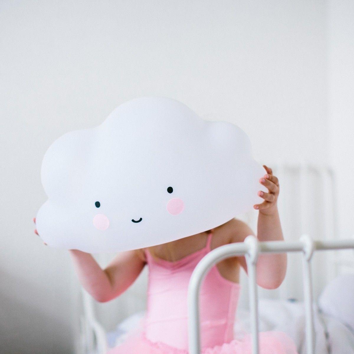 La luz quitamiedos en tamaño grande con forma de simpática nube - Minimoi