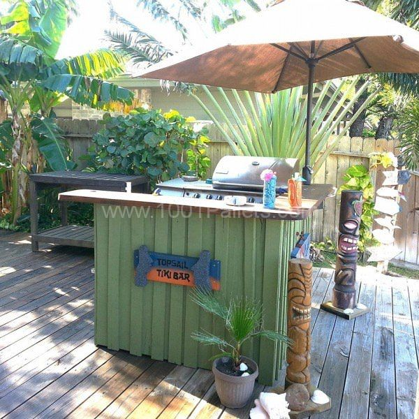 Pallet tiki bar get some inspiration tiki bars outdoor for How to make a tiki bar with pallets