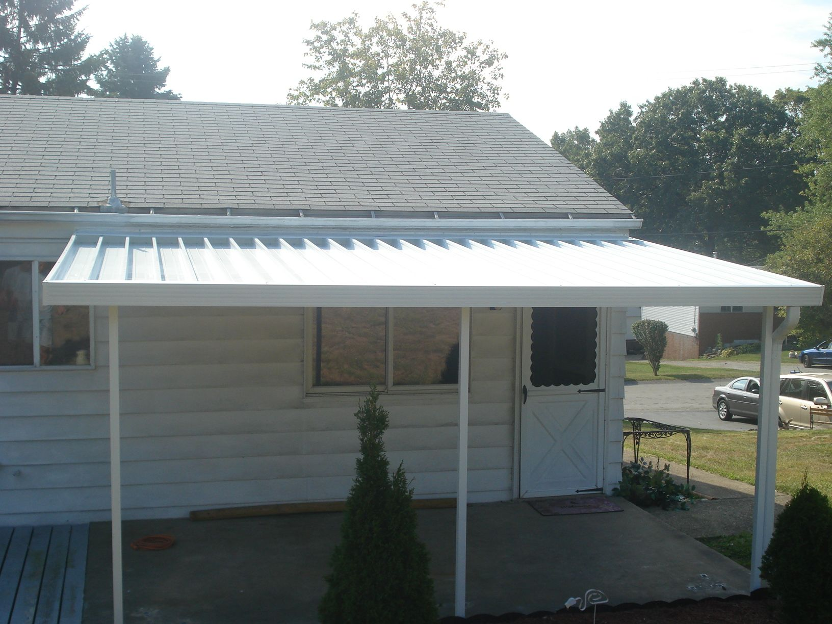 Crest 700 Flat Pan Aluminum Awning In White Aluminum Awnings