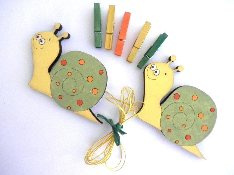 Children\'s Artwork display hanger- Snails, Yellow,Green and Orange ...