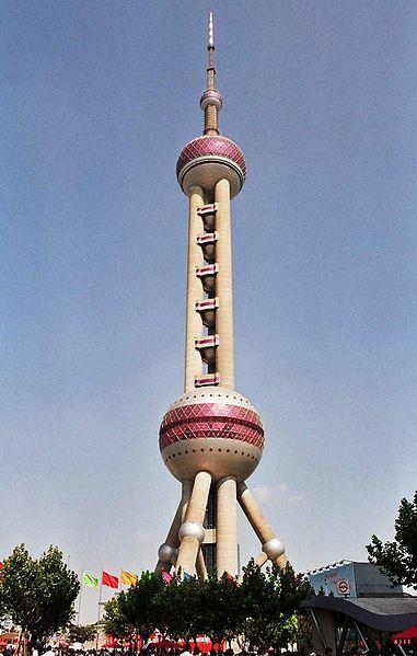 Torre Perla Oriental (Shanghai), del arquitecto Jia Huan Cheng (1991 -1995)