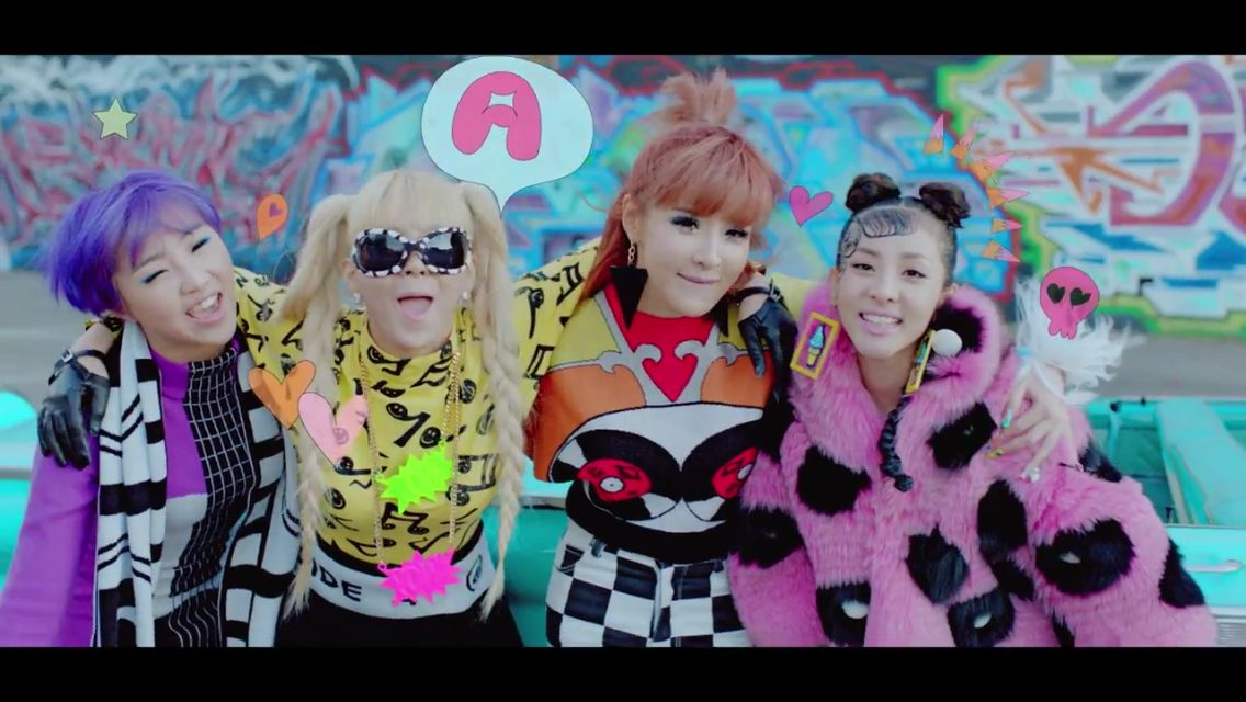 2NE1 : Happy and Comeback Home MV