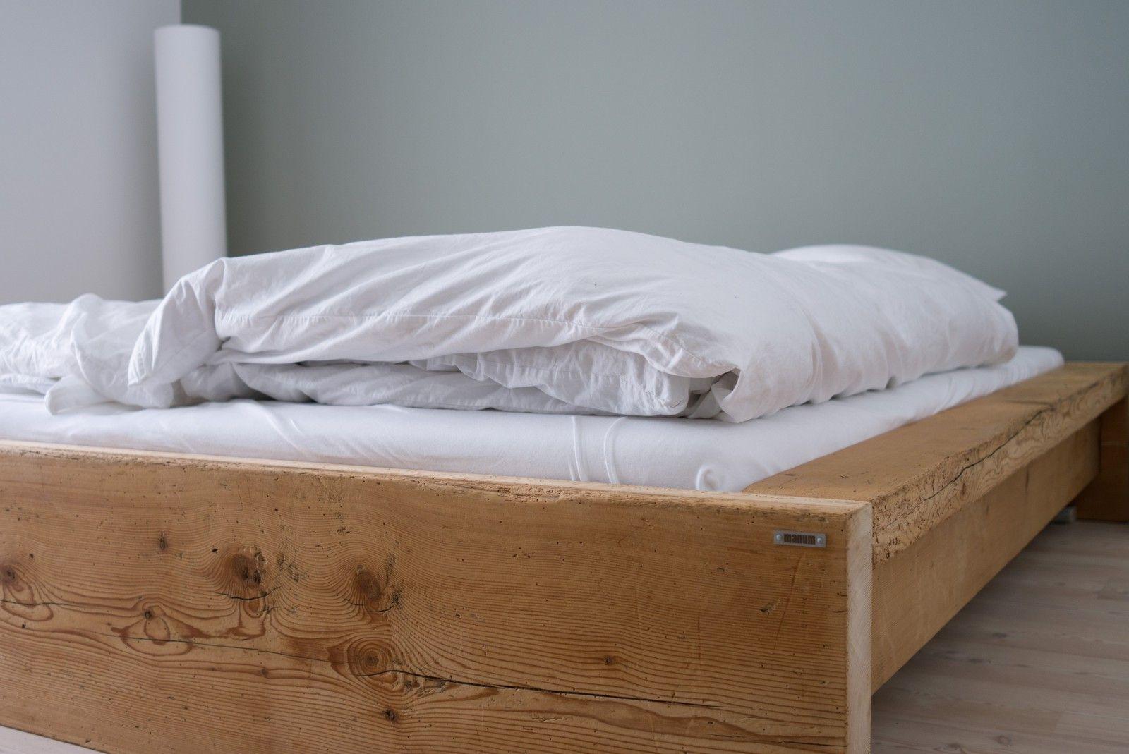 bett aus altholz schlafzimmer bedrooms pinterest altholz bett und m bel aus altholz. Black Bedroom Furniture Sets. Home Design Ideas