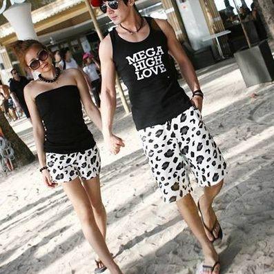 cd7e8cfeca Couple beach pants shorts swimwear large size men s T-shirt Women ...