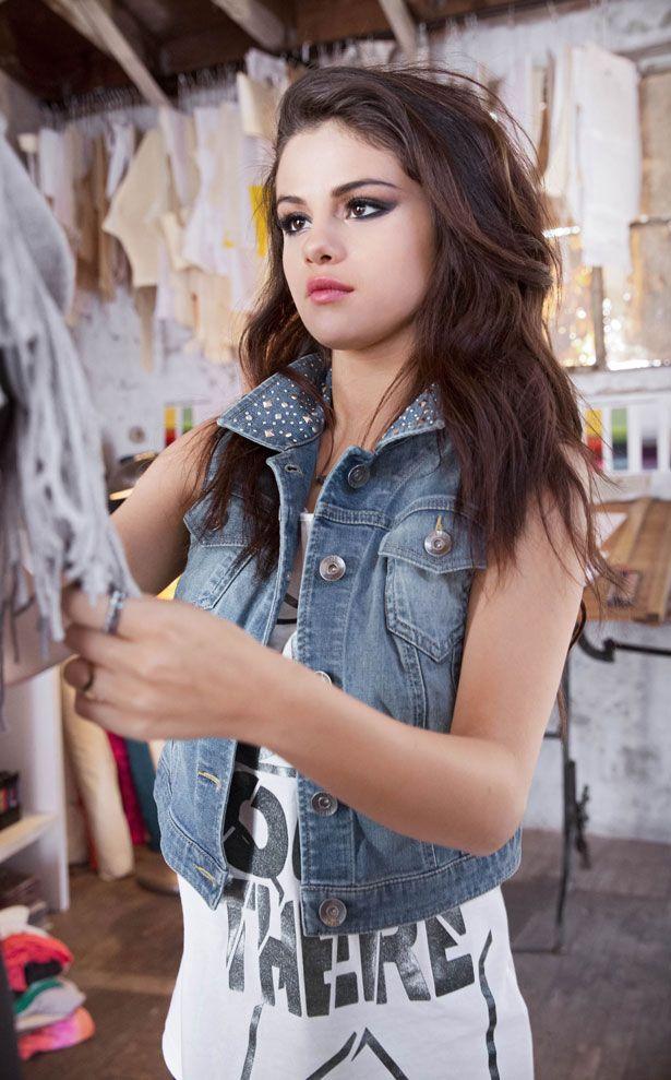 Selena Gomez Turns Fashion Designer For Adidas Selena Gomez Selena Gomez Pictures Selena Gomez Adidas