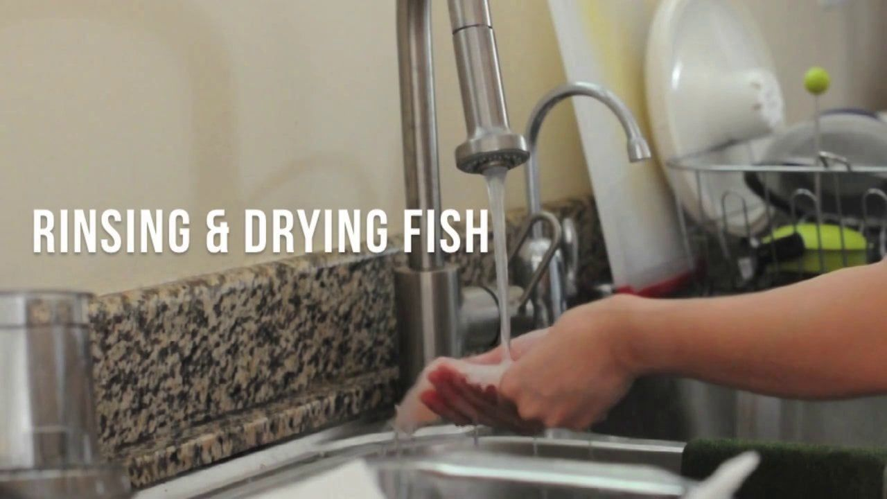 How to rinse and dry fish