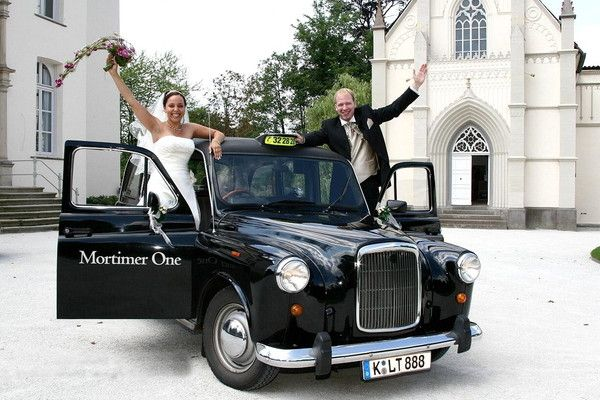 Renting an Oldtimer for the wedding here! Original London Taxi #wedding #cars #erento