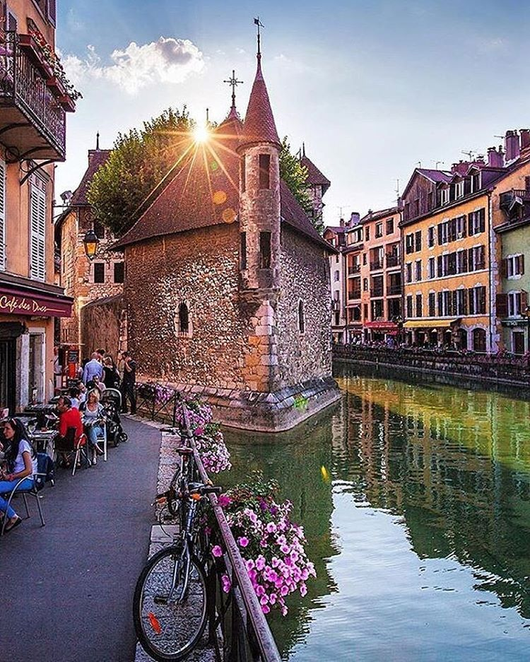 So many cosy towns to explore Annecy in France by ilhan1077