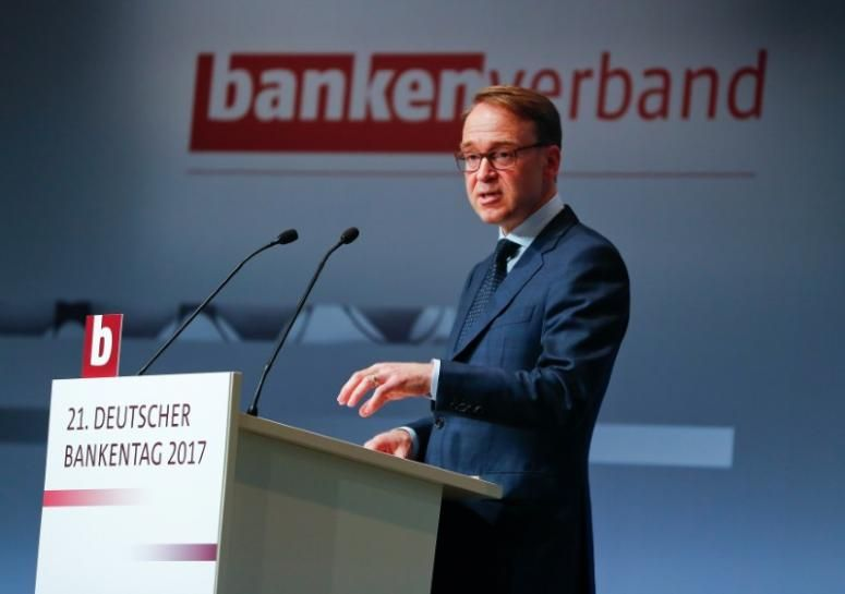 No need for ECB to continue buying bonds Weidmann (With