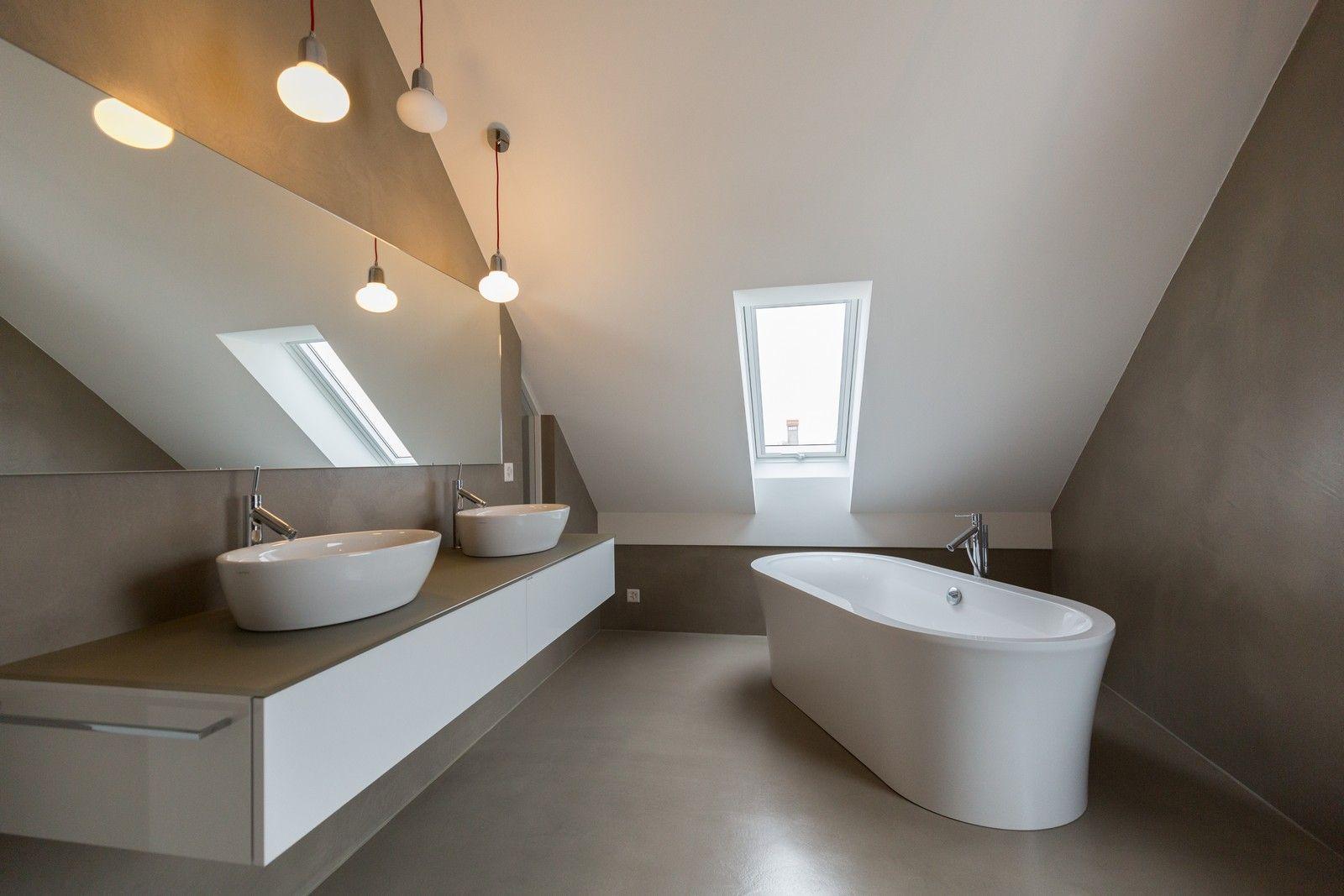 Béton ciré - sol et murs - salle de bain - par Ambiance Béton Sàrl