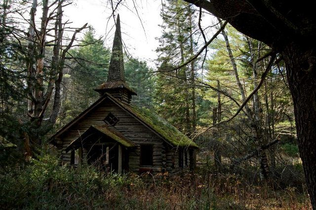 Abandoned church in the woods [972x646] by Robert Wirth