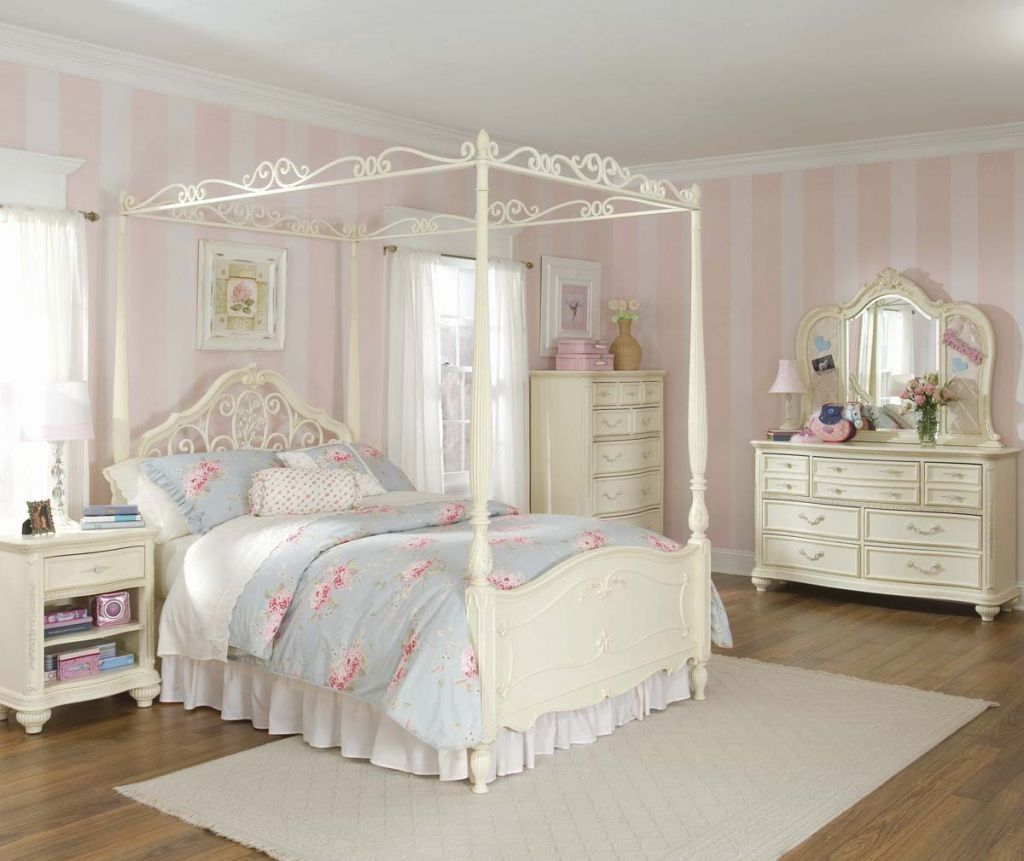 Girl Bedroom Furniture Clearance  Images Of Master Bedroom Glamorous King Size Bedroom Sets Clearance Design Decoration