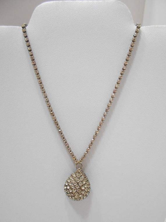 Single Strand of Clear Rhinestones Necklace.