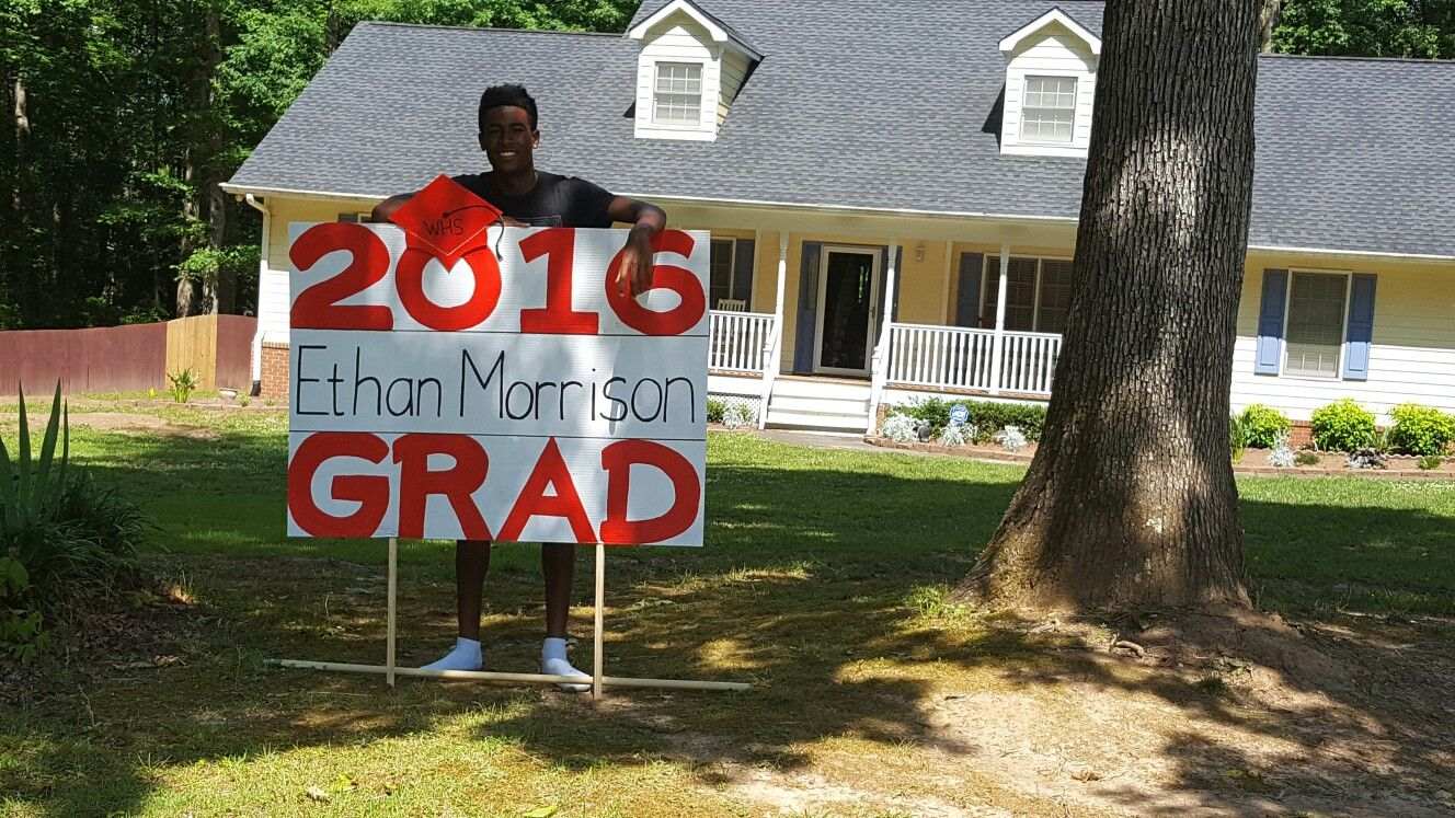My Diy Graduation Yard Sign Graduation Yard Signs Graduation Diy Birthday Yard Signs
