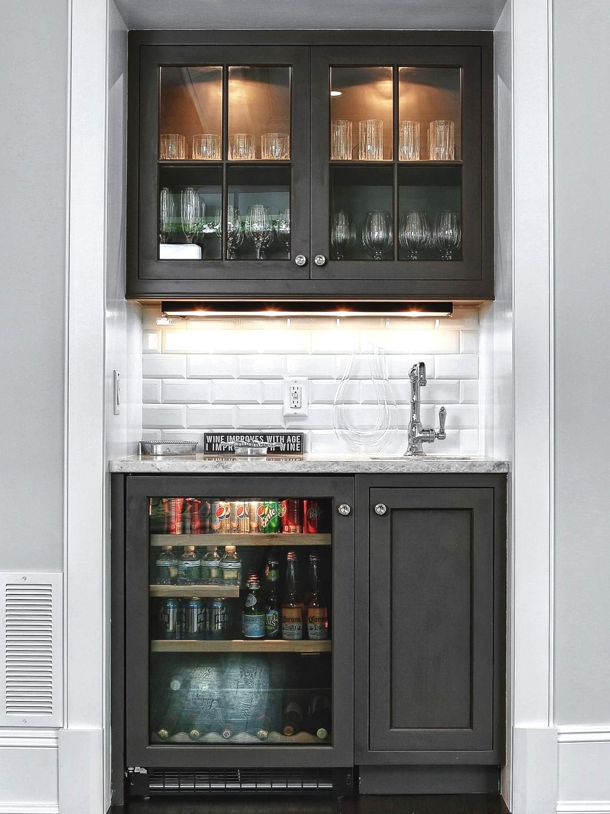 home remodeling visualizer remodelingideas   Small bars for home ...