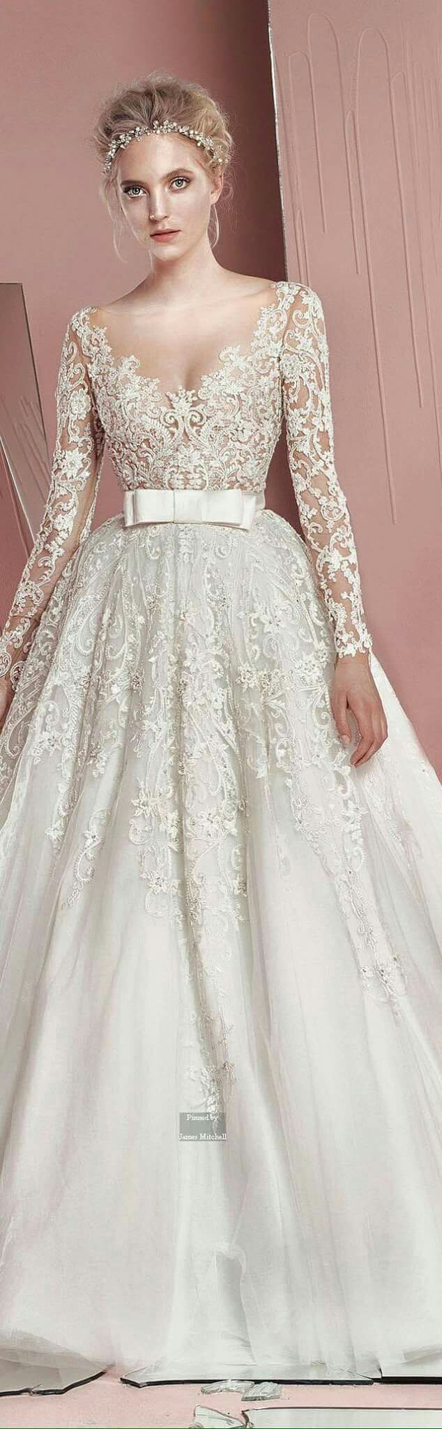 Pin von Corinne Wallace auf Wedding Dress Ideas | Pinterest