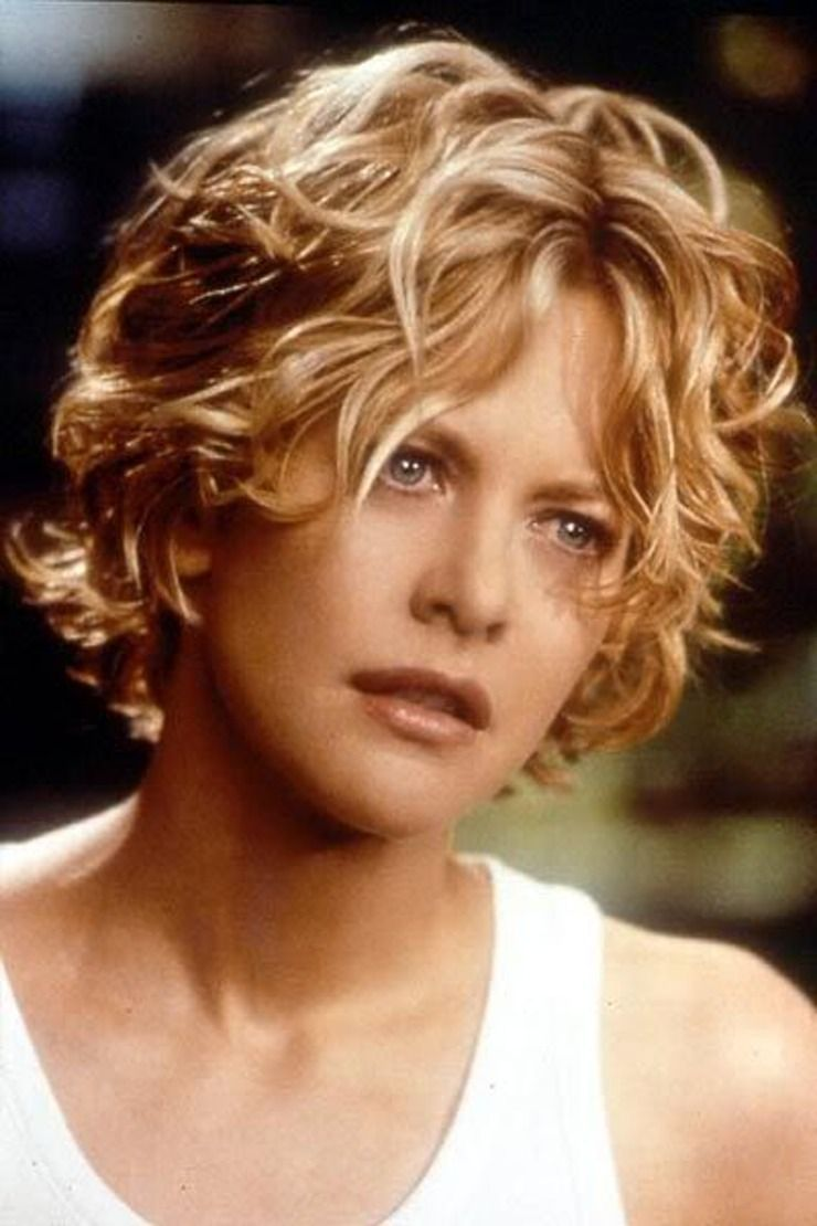 Why Meg Ryan Fashion Of The 80s And 90s Still Holds A Special Place In My Sartorial Heart Meg Ryan Hairstyles Hair Styles Short Hair Styles
