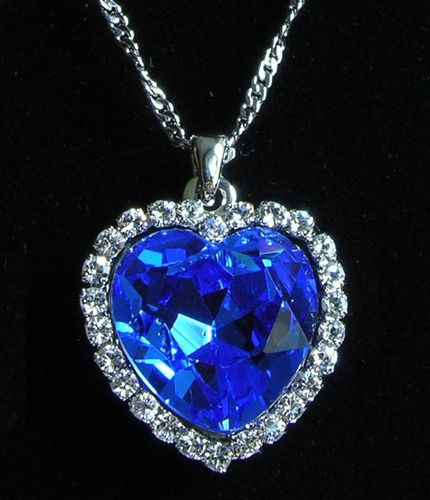 87e3b930b7af  TITANIC HEART OF THE OCEAN OF LOVE NECKLACE  is going up for auction at  12pm Sun