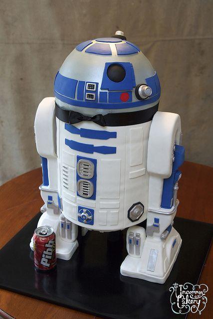 R2 D2 Groom S Cake Star Wars Hochzeitstorte Star Wars Kuchen Und Brautigam Kuchen