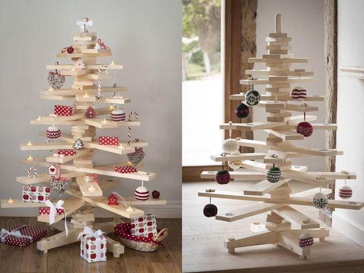 Alberi Di Natale In Legno Addobbati : Albero con assi di legno christmas time natale