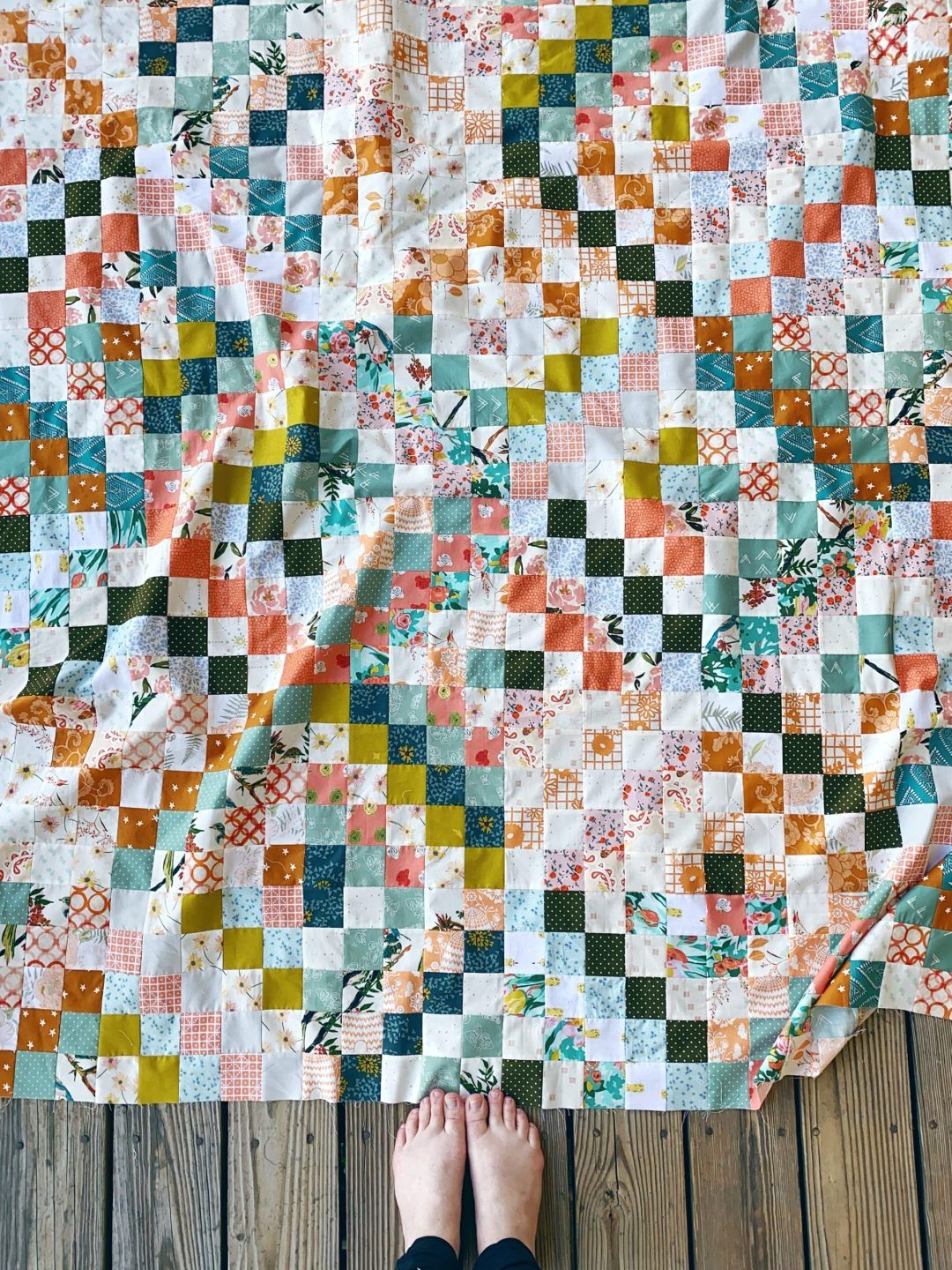 Quilt Reveal Trippy Quilt 4 Green And Orange And A Hint Of Silver In 2020 Quilts Scrappy Quilt Patterns Scrappy Quilts