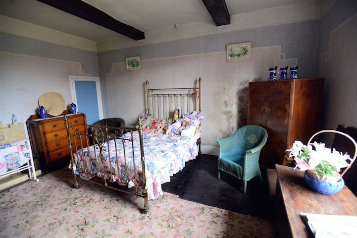 English Farmhouse Left Frozen in Time Since the 1940s - My Modern Met