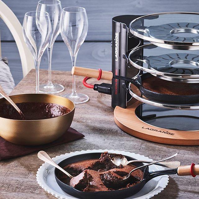 Detournement De Raclette On Utilise Les Poelons Pour Faire Cuire Un Delicieux Moelleux Au Chocolat A Photo And Video Alcoholic Drinks Instagram Photo
