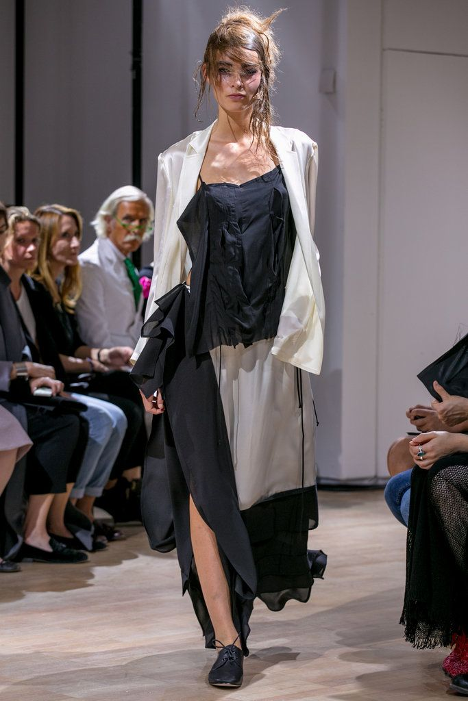 A look from the Yohji Yamamoto Spring 2015 RTW collection.