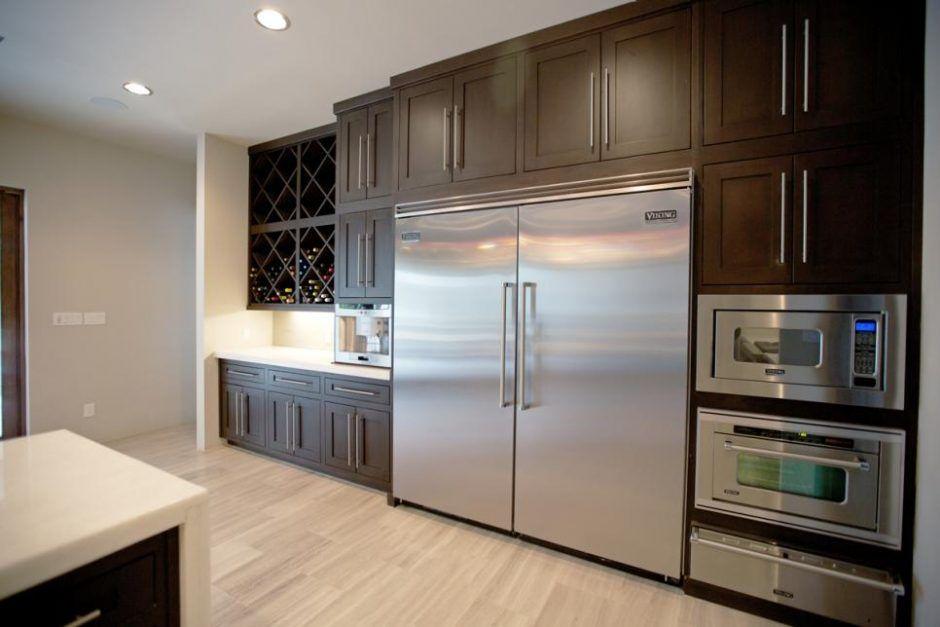 Kitchen Wide Stainless Steel Refrigerator In Modern Kitchen Large Refrigerator Stainless Steel Refri Contemporary Kitchen Home Kitchens Modern Refrigerators