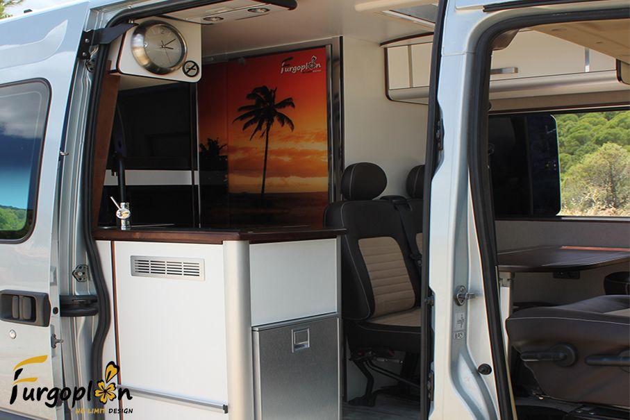camperizaci n completa de furgoneta renault master www. Black Bedroom Furniture Sets. Home Design Ideas