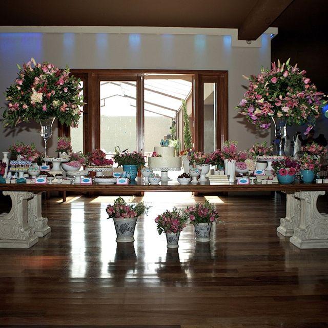 Mesa de doces do Quer Casar com Estilo do segundo semestre de 2011. Amo essa decoração!