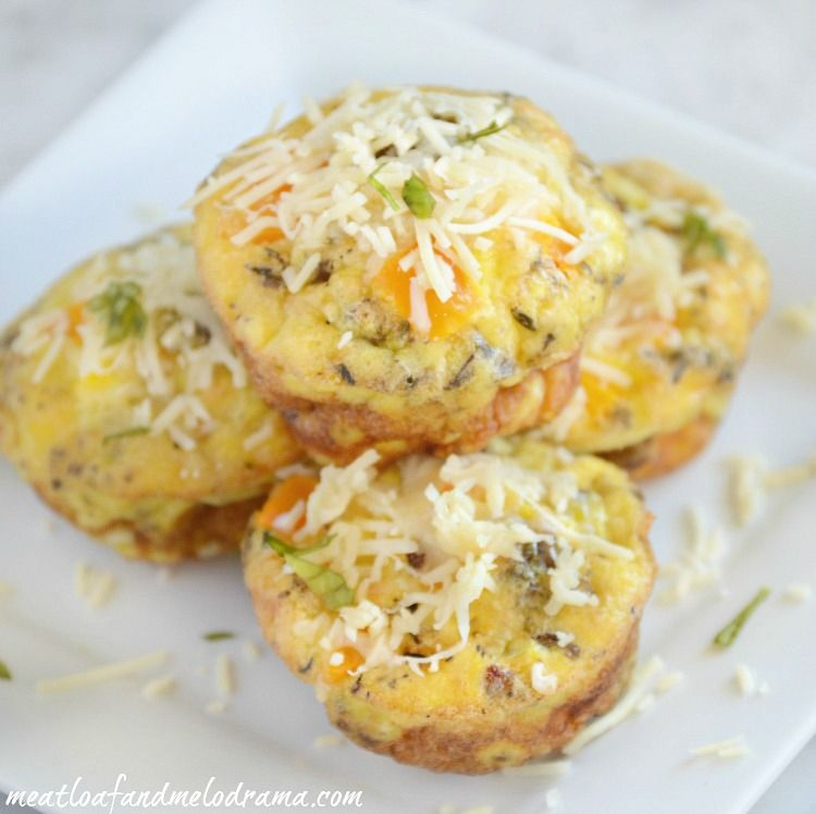 Cheesy Sausage and Egg Cups! #breakfast #pepper #meal