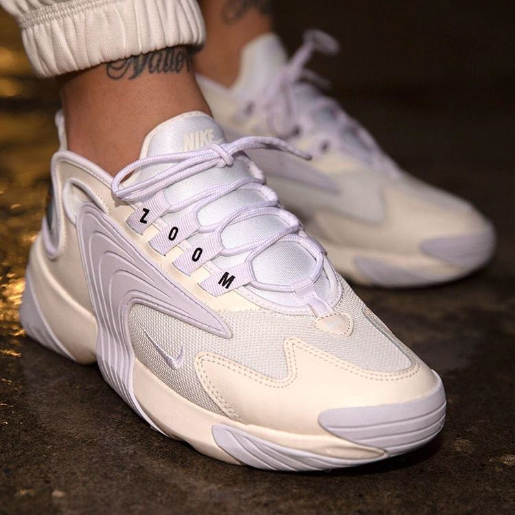 Nike Wmns Zoom 2K in Sail/White,Black✨⠀⠀